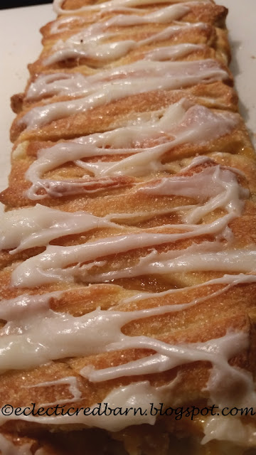 Eclectic Red Barn: Peach Cream Cheese Braid