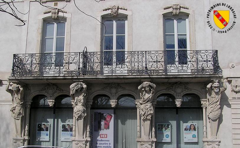 Patrimoine de lorraine toul 54 maison aux caryatides for Facade maison avec balcon