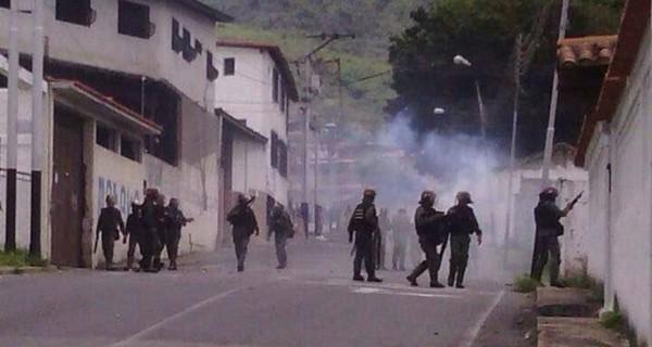 ¡LO ASESINÓ LA DICTADURA! Murió joven herido de bala en protesta en Mérida #2Jun