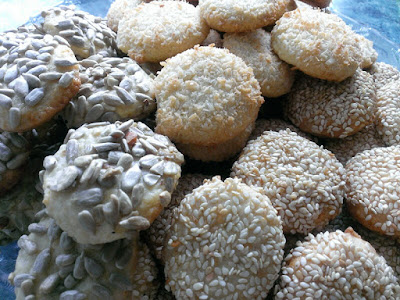 Ciastka z kokosem, sezamem i słonecznikiem