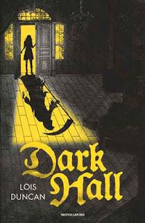 dark hall libro