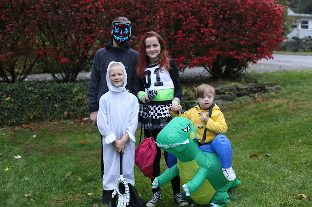Sibling Halloween Picture