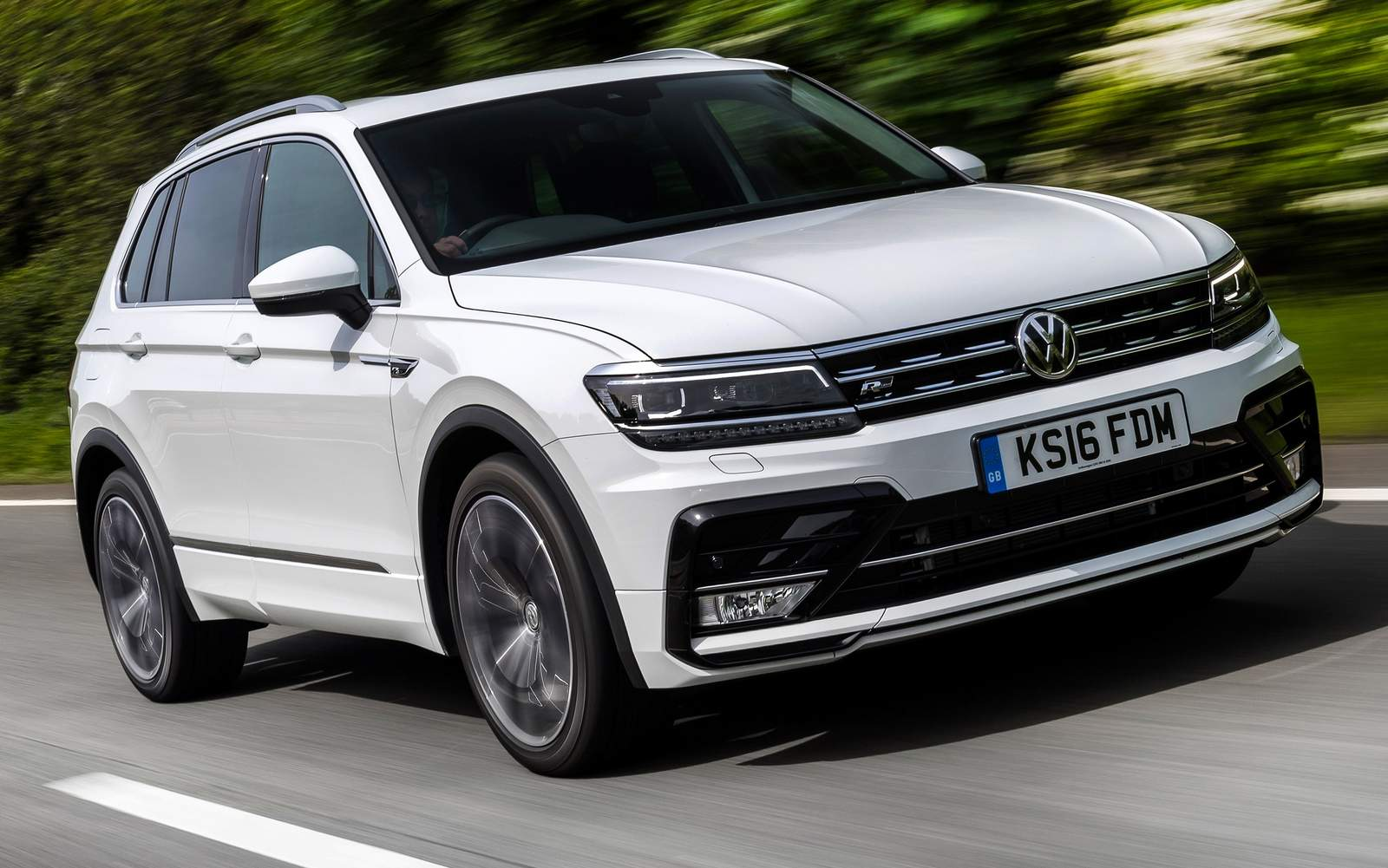 tiguan bi turbo de 240 cv chega inglaterra por r 146 mil car blog br. Black Bedroom Furniture Sets. Home Design Ideas