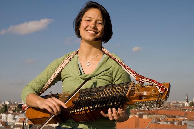 alat musik unik di dunia Nyckelharpa