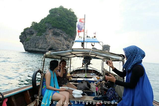 pengalaman sunset tour di phiphi island