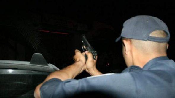 الرصاص يلعلع بالحي الحسني ،، لتوقيف شخصين يهددان سلامة المواطنين بالسلاح الأبيض