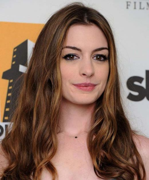 Anne Hathaway Eye Color: Onfolip: Anne Hathaway Profile-Bio And Pictures 2012