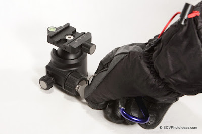 Sunwayfoto XB-44 Ballhead Friction control by Tool in thick glove