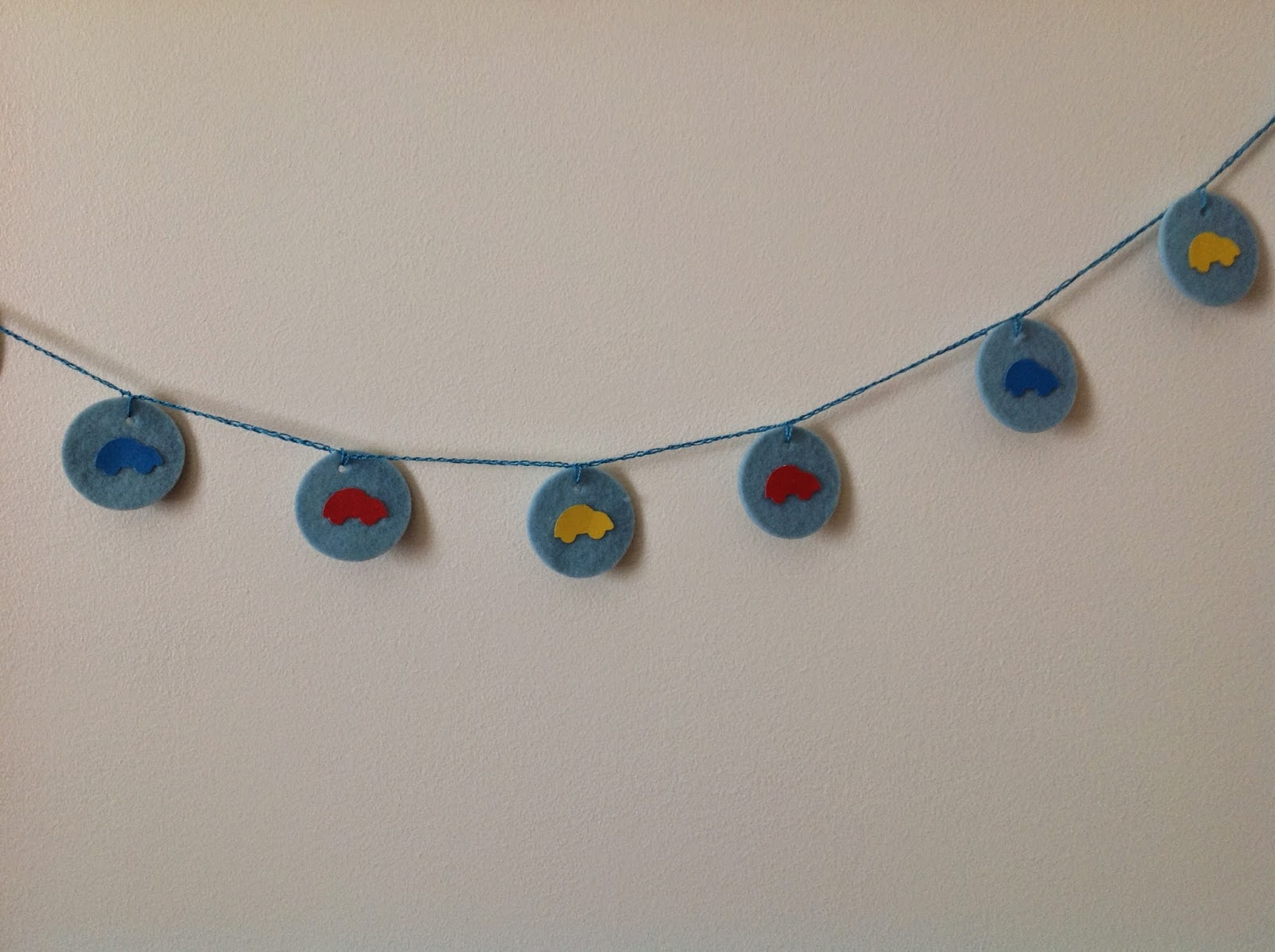 wheels on circles garland, garland, kids rooms, decorating ideas
