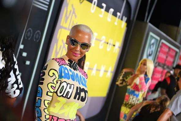amber-rose-videos-21-savage-at-lollapalooza-says-shell-marry-him