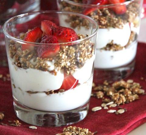El yogurt es una bebida nutritiva y deliciosa que podemos disfrutar de muchas maneras