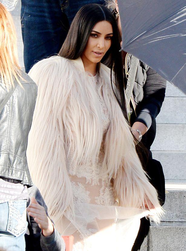 FAMEFLYNET-Kim-Kardashian-Films-New-Scenes-For-Oceans-Eight-In-Los-Angeles (3).jpg