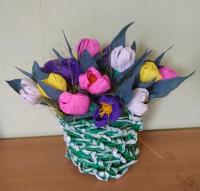 Ozdoby Wielkanocne,wisiory,szkatułki i następne części książek Camilli Lacberg.