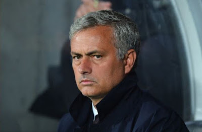 """Manchester United could """"lose"""" Jose Mourinho as manager, according to report - BBC Sports"""