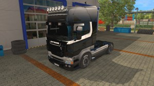 BlacK and WhitE skin for Scania RS