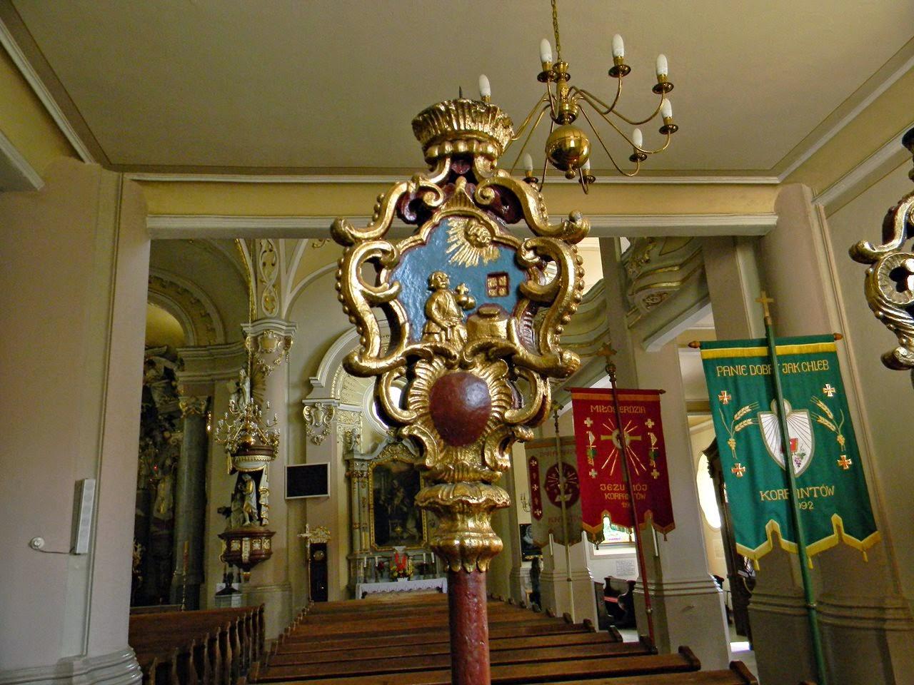 kościół w Korfantowie, ozdoby, świeczniki