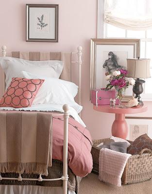 quarto de casal em tons de rosa