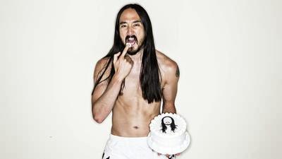 The Yellow Party News: DJ Steve Aoki Throws Cakes into ...