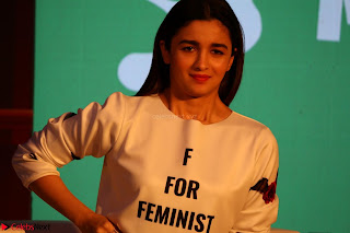 Alia Bhatt looks super cute in T Shirt   IMG 7757.JPG