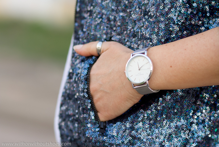 White rounded sphere watch + Silver metallic strap