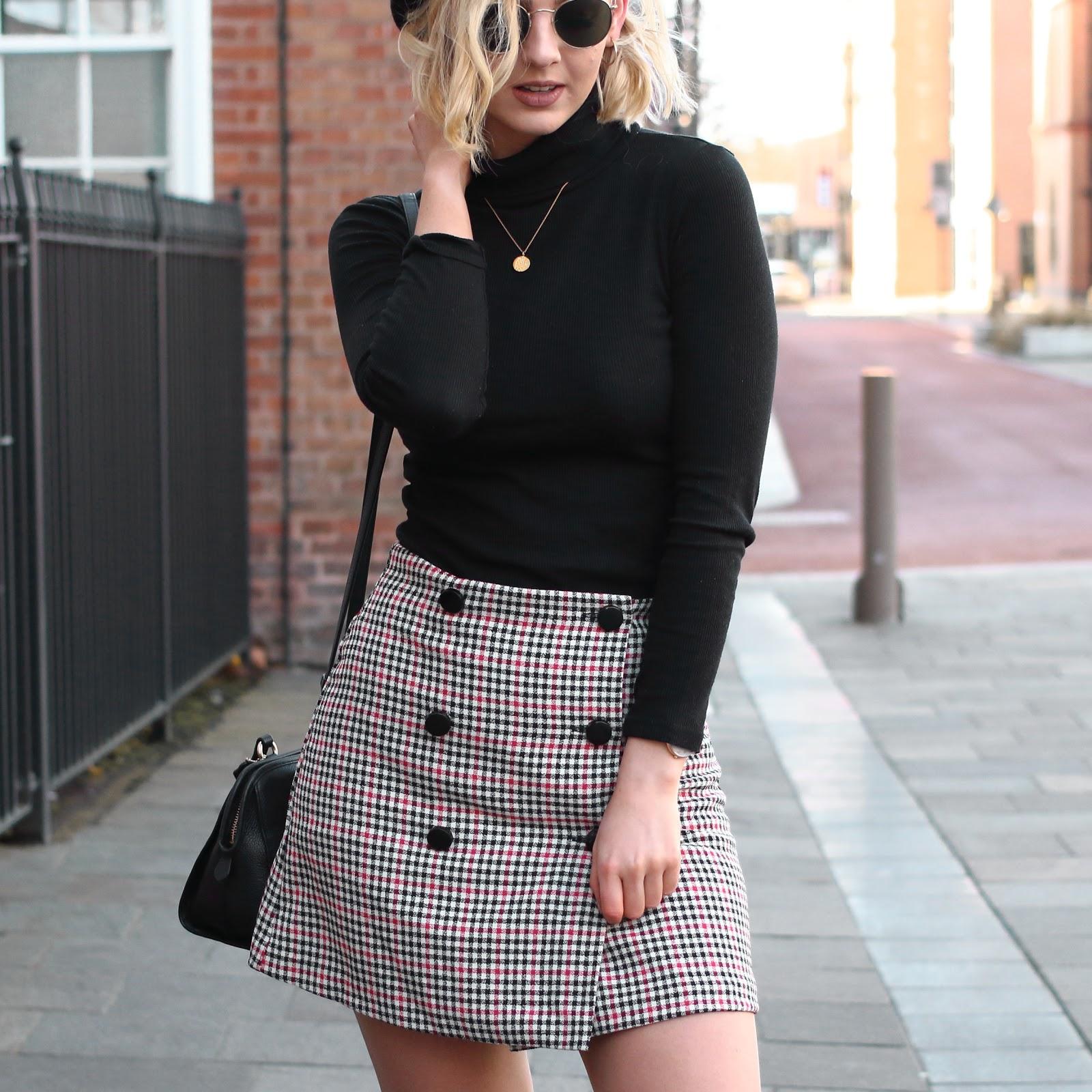 Asos, check, skirt, tartan, pattern, ootd, blogger, uk, fashion, black, polo, neck, jumper, beret, styling