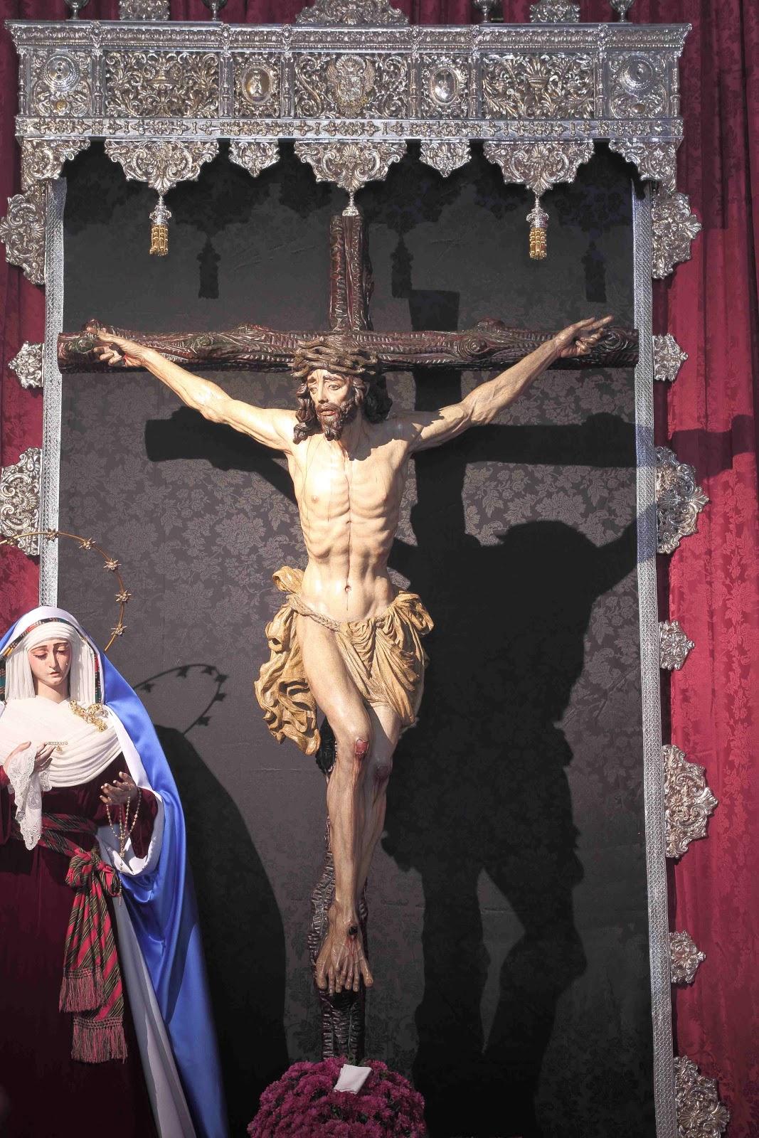 Sevilla A Traves De Un Objetivo Besapies Al Cristo De La Salud