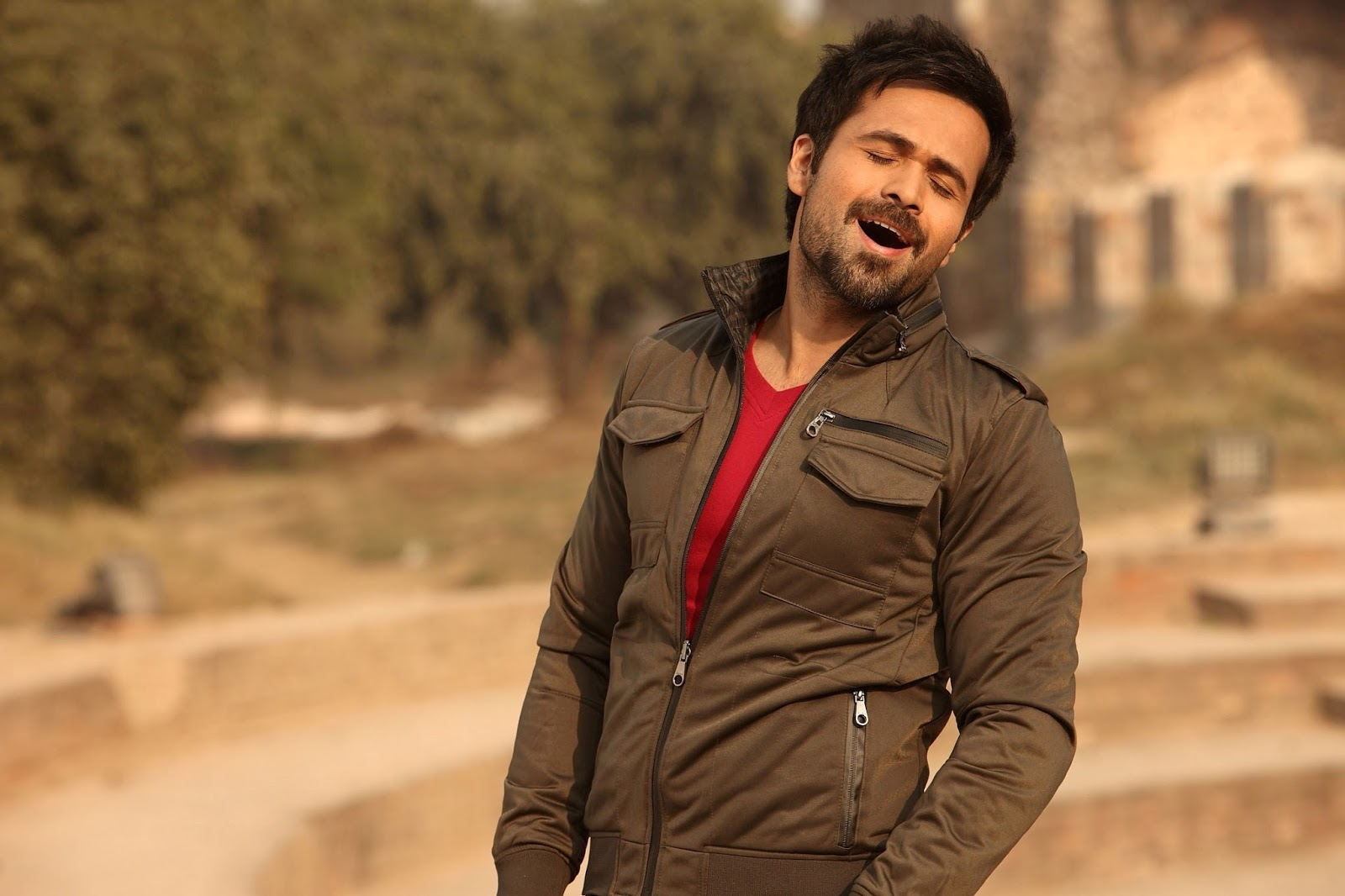 Hd Wallpaper Emraan Hashmi Hot Kiss Hd Photos Images Pic-7404