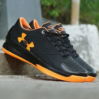 Sepatu Under Armour Hitam Orange