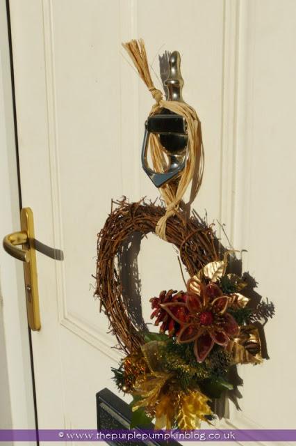 Easy Christmas Wreath | The Purple Pumpkin Blog