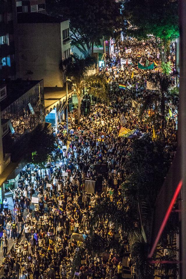Milhares de pessoas protestam na Paulista contra decisão que permite 'cura gay'