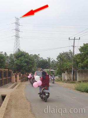 penampakan sutet menandakan sudah dekat dengan Jalan Raya Natar