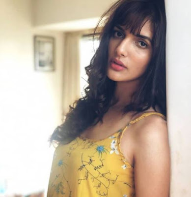 Gypsy Movie actress, Gypsy Movie actress Images, Gypsy Movie actress Natasha Singh Images, Gypsy Movie actress Natasha Singh Wallpapers, Gypsy Movie actress Natasha Singh Images, Pictures