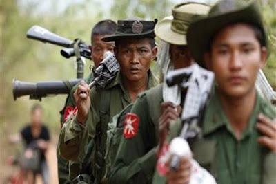 Tidak Hanya Melepas Tembakan Membabi Buta, Pasukan Myanmar Juga Menangkap Warga Rohingya