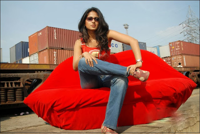Anushka Shetty feet pictures, Anushka Shetty in jeans, Anushka Shetty on sofa, Anushka Shetty on couch, Anushka Shetty hot photos