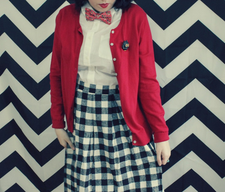 A Vintage Nerd Twin Peaks Fashion Vintage Fashion Blogger Retro Fashion Bowties Pop Culture Modcloth Plaid Skirt