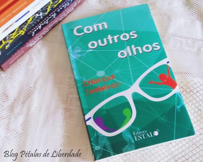 """Resenha, livro, """"Com outros olhos"""", Editora Estalo, antologia"""