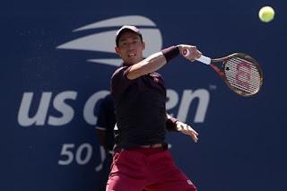 Nishikori outclasses Kohlschreiber to reach U.S. Open quarters