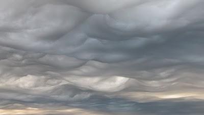 Хвилясті хмари