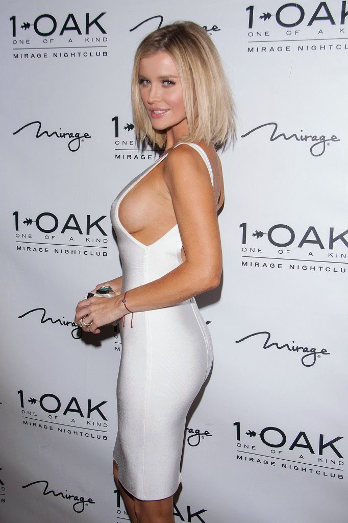 Joanna Krupa flaunts sideboob in a clingy dress at 1 Oak Nightclub in Las Vegas
