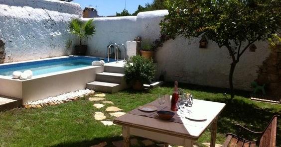 La buhardilla decoraci n dise o y muebles piscinas for Patios pequenos minimalistas