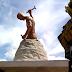 Estátua ao lado da PRF na capital é alvo de polêmica e curiosidade