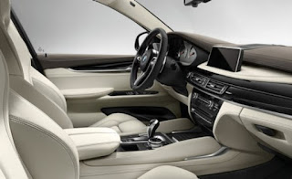 BMW X5 M Interior Colors: Black Sappire, mineral white