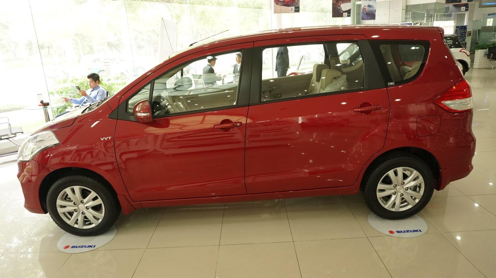 Xe được thiết kế theo nguyên lý khí động học, lướt mượt và xe rất nhẹ, chỉ hơn 1,1 tấn