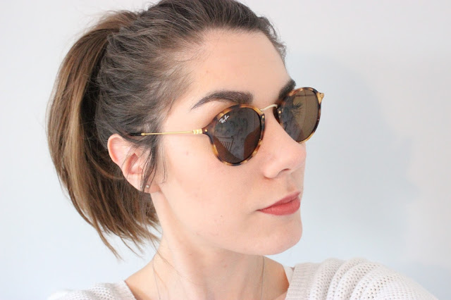 Ray-Ban Classic Round Fleck Sunglasses styled with hair up