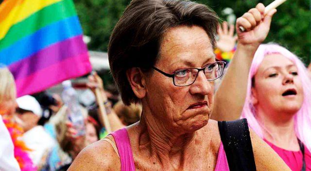 Σουηδικό αριστερό  κόμμα καλεί για περισσότερο φεμινισμό για να αντιμετωπίσει την «εθνικιστική επίθεση»!!