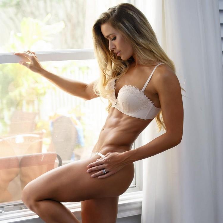 Valentina Lequeux fitness model