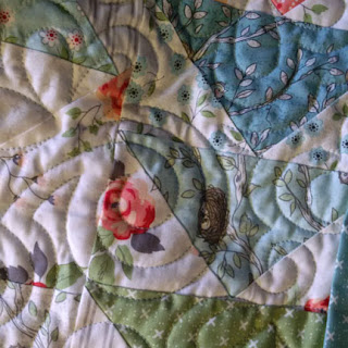 Roberta's Due South quilt: QuiltBee
