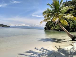 Menjelajah Ke Pulau Mursala dan Pulau Lainnya
