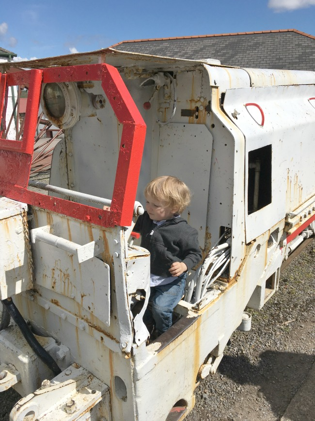 Blaenavon-Big-Pit-A-Toddler-on-a-train