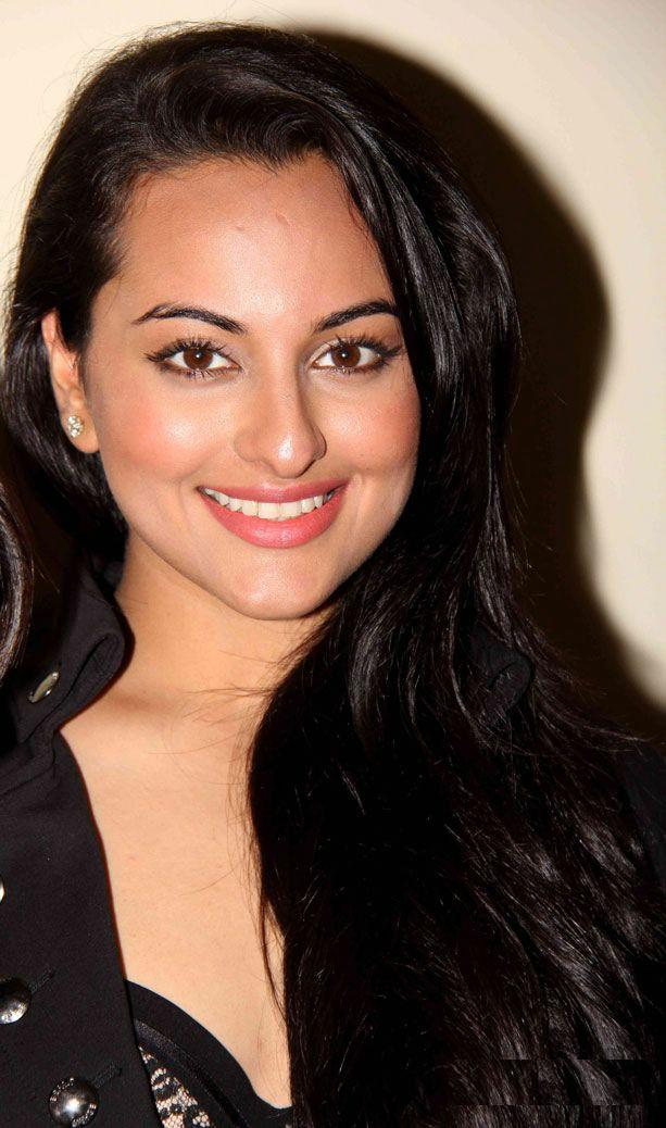 Sonakshi Sinha Photos In Black Dress